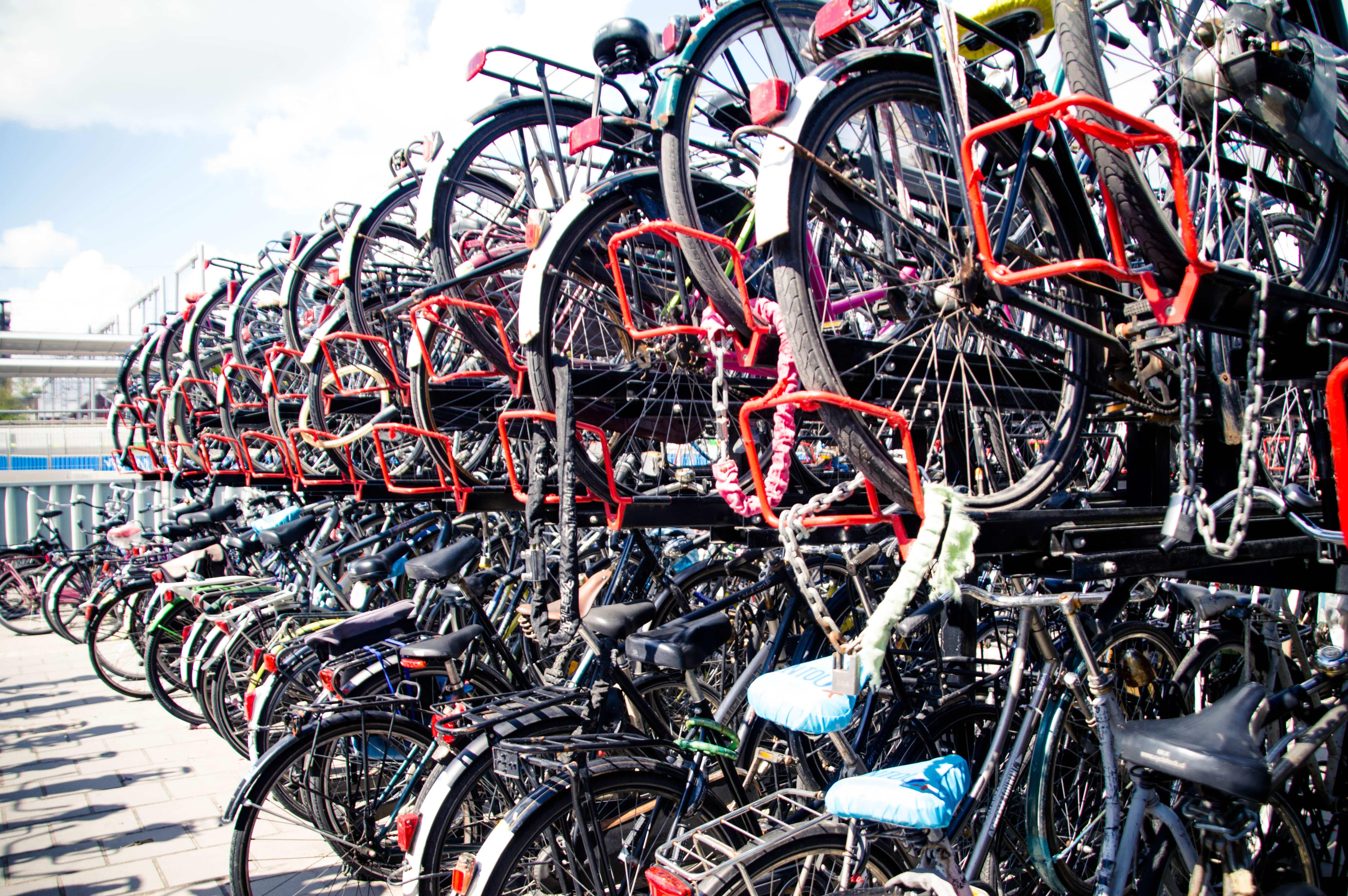 vélos à la gare d'utrecht