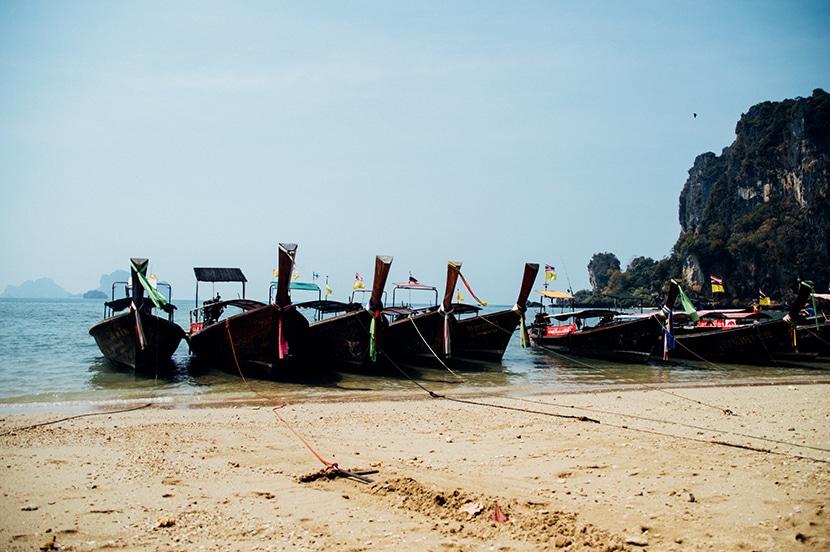 long tail boat tonsai beach
