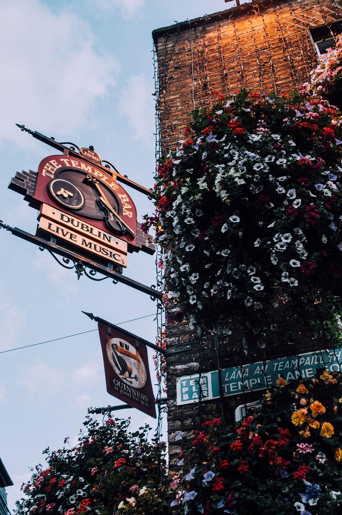 Dublin_temple_bar_003
