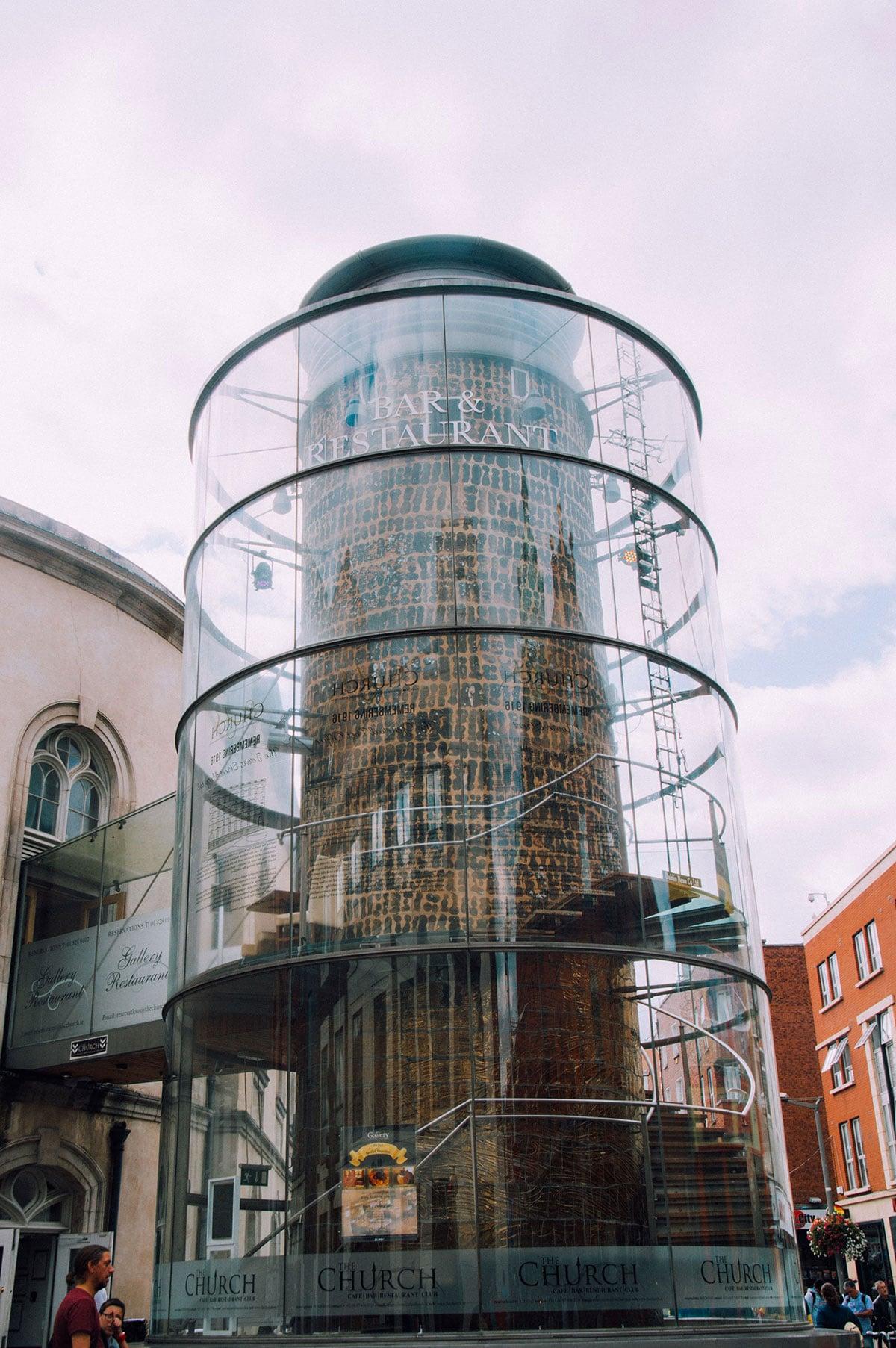 Dublin_voyage_church_bar_001