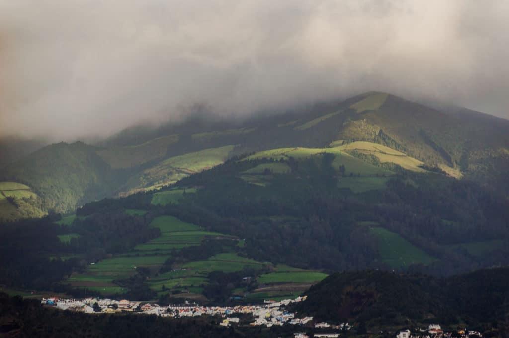 Vue colline verte Sao Miguel